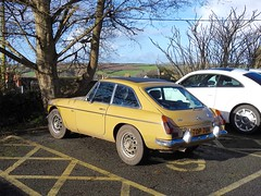 MGB GT, The Parade, Helston, Cornwall 8 February 2017 (Cold War Warrior) Tags: mg helston cornwall sportscar mgbgt