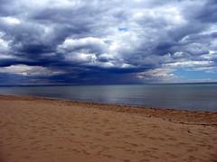 Nubi su Taranto (explored) (oniremacoo) Tags: sea beach clouds mediterraneo italia nuvole mare puglia spiaggia apulia ginosamarina genusiashot