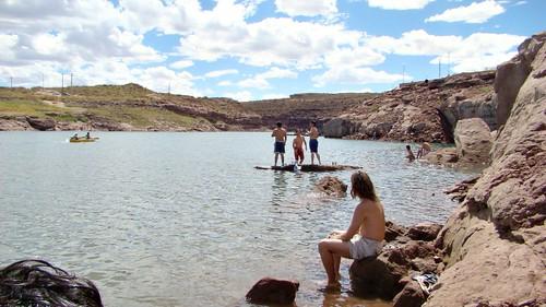 Neuquén - El Chocón - Bañándose