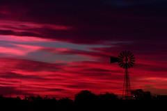 CIELOS (kchocachorro) Tags: red clouds landscape colour