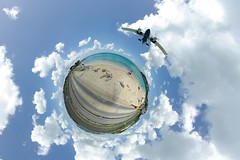 Landing (gadl) Tags: panorama beach plane island gimp landing projection handheld plage avion 360 sintmaarten le stereographic hugin enblend mathmap stereographicprojection