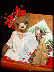 Noelle 9g (Denise Purrington {{say hello to my Little Bears:)) Tags: christmas sculpture vintage stuffed holidays panda antique mohair teddybear grizzly collectible polar whimsical sculpted jointed primitiveteddybeargrizzlypolarpandastuffedjointedmohairsculpturesculptedcollectibleantiquevintagewhimsicalchristmasholidays