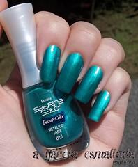Esmalte Japa, da Beauty Color. (A Garota Esmaltada) Tags: agarotaesmaltada unhas esmaltes nails nailpolish manicure japa beautycolor sabrinasato metálico green verde