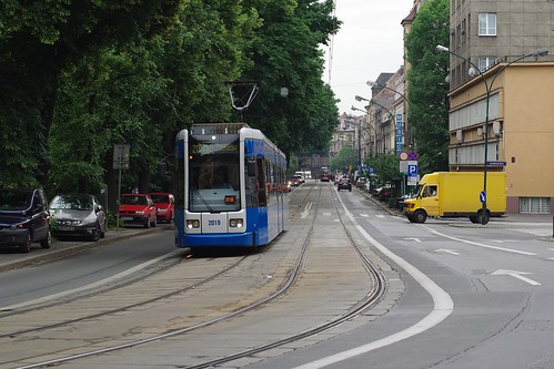 Tramwaj nr 2018 / Streetcar number 2018 by Rrrodrigo