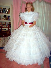 Amanda in the ruffled tara costume (scarlett283) Tags: scarlett film scarlet costume civilwar ohara drama reproduction gwtw ballgown moviecostume ruffledress scarletdress walterplunkett taradress ginewiththewind whiteruffle