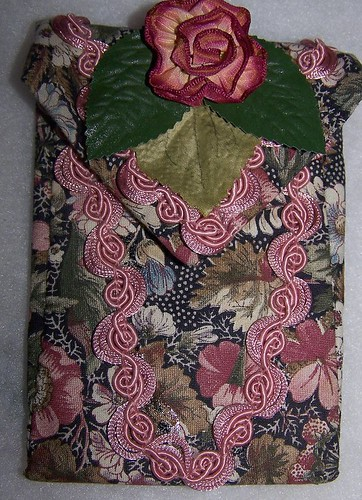 Front of Floral Tie Purse