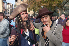 Jack Sparrow & Johnny Deep (Walter Pellegrini) Tags: anime jack costume comic cosplay pirates manga deep lucca sparrow johnny caribbean cosplayer 2007 jacksparrow