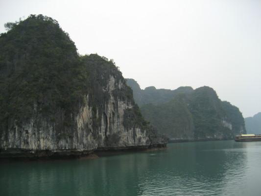 rock_boat_1