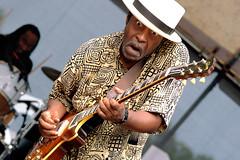 Vasti (Vas-Tie) Jackson (Randy's Dailies) Tags: music chicago hat les paul eyes guitar blues jackson fest gibson vastijackson vasti