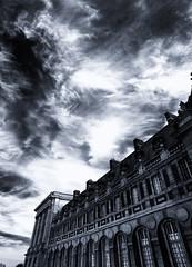 Versailles Sky