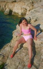 Malta - St. Pauls Bay (let) Tags: ocean travel woman beauty smile lady female island meer europe pretty amy legs fil malta charm isle klippen melita pnk qawra mittelmeer stpaulsbay