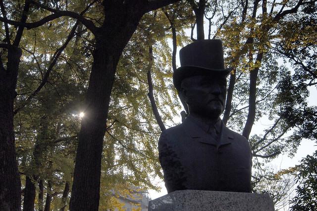 20101127_144625_横浜公園