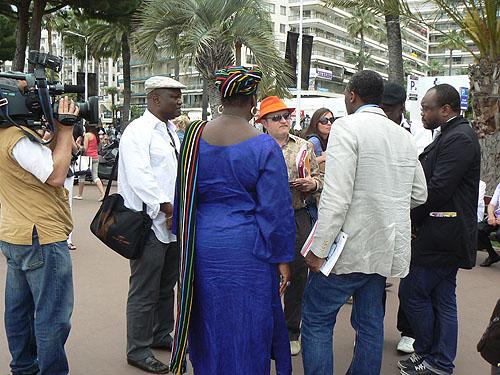 délégation d'africains.jpg