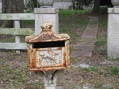 (giveawayboy) Tags: horse mailbox fence tampa rust path steppingstones horseman jsd jun1