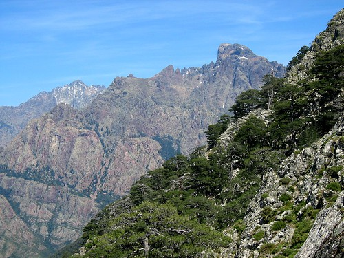 La vire de Scaffone versant Campu Razzinu depuis le plateau d'Astenica