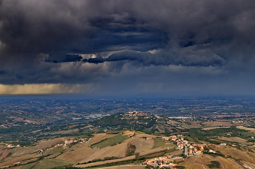 """Storm over the Emilia Romagna (from San Marino) • <a style=""""font-size:0.8em;"""" href=""""http://www.flickr.com/photos/26679841@N00/1806467322/"""" target=""""_blank"""">View on Flickr</a>"""