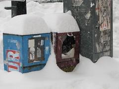 Hour, Mirror, Postes Canada, et neige