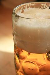 IMG_5911.jpg (Marc Aurel) Tags: beer germany munich münchen bayern deutschland mas oktoberfest monaco bier beerstein stein birra germania wiesn krug bierkrug 400d eos400d maskrug foamingglas
