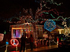 37th Street Lights 11 (Thomas Salgado) Tags: austin texas christmaslights 37thstreet