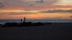 P1000890.JPG (Max Kiesler) Tags: sunset oahu northshore keiki ehukaibeachpark