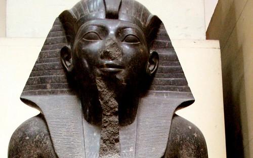 2004_0312_121404aa -Hatshepsut. por Hans Ollermann.