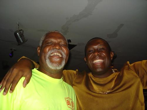 Quinzinho e Edimar Guiã, encontro de gerações do samba - Chiko's Bar - Barra (Foto: Ocimar Santos)