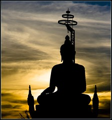 Looking towards the west through the East. (lee.starnes) Tags: light sunset silhouette statue delete10 night delete9 thailand delete5 photography delete2 big model delete6 delete7 buddha delete8 delete3 delete delete4 save save2 lee thai phuket chalong starnes leestarnes lcsphotography