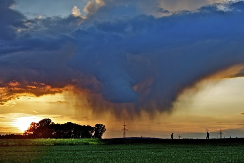 [Free Image] Nature / Landscape, Cloud, Dark Clouds, Sunset, Rain, Germany, 201105181900