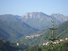 heuvels en dorpjes (Anne-Miek Bibbe) Tags: italy italia view hills uitzicht toscane italië heuvels landscapesdreams