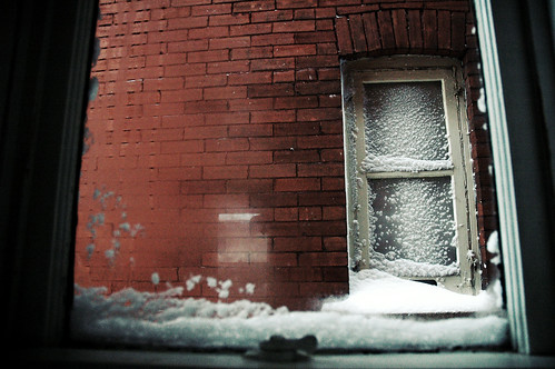 snowy-window-001-acidic