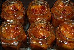 Apple, apricot and cranberry chutney