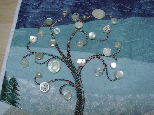 4SQS Winter quilt button tree