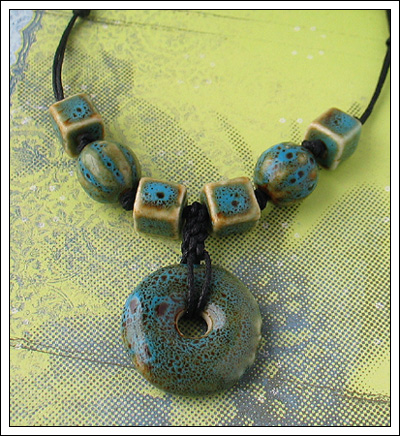 Porcelain bead necklace 4
