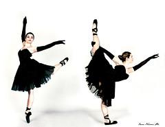 Elisa (pulciografa) Tags: portrait italy ballet white black canon florence dance ballerina italia photographer danza dancer canon350d firenze bianco ritratto nero elisa fotografa scarpette balletto tut