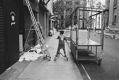 Leather Lane, Holborn (fabiolug) Tags: kid child boy scooter ladder market leatherlane holborn people street streetphotography london leicam6 leicam6ttl leicam6ttl072 leica m6 rangefinder film fimphotography believeinfilm 35mmsummicronasph 35mmf2summicronasph summicronm35mmf2asph summicron35mmf2asph 35mm summicron leicasummicron leica35mm fujifilmneopanacros100 fujifilmacros100 acros100 fujifilm acros blackandwhite blackwhite bw man