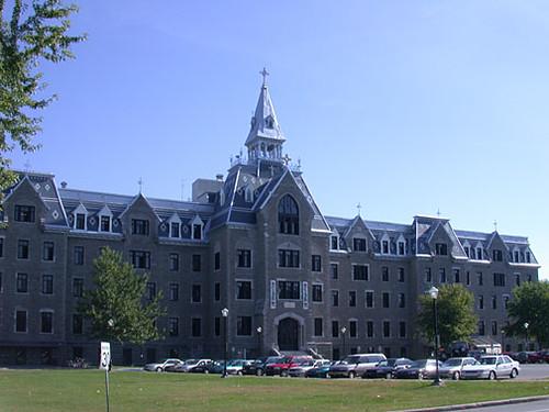 Le Collège Lionel-Groulx 2