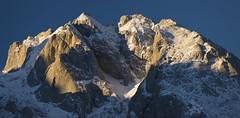 Torres Areneras y Cuetos del Albo al amanecer (jtsoft) Tags: mountains landscape asturias olympus alpenglow picosdeeuropa e510 cabrales albos zd40150mm jtsoftorg