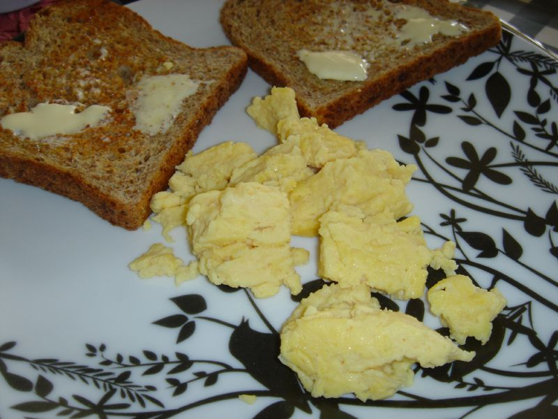 Scrambled Eggs using powdered whole eggs