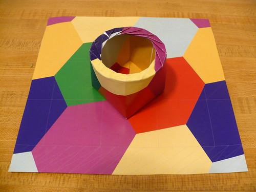 Fujimoto Cube with 16-gon Iris Closure