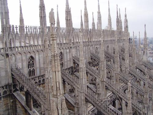 Duomo di Milano, contraforti, archi rampanti e pinnacoli - a photo on Flickriver