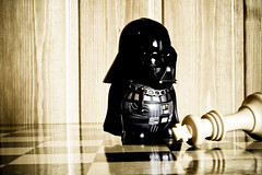 Darth Vader Wins! (Yentatsu) Tags: white black nikon king chess rey win darthvader lose yen darkside ajedrez friki d40 nikond40 a3b yentatsu