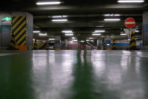 新宿サブナード駐車場2