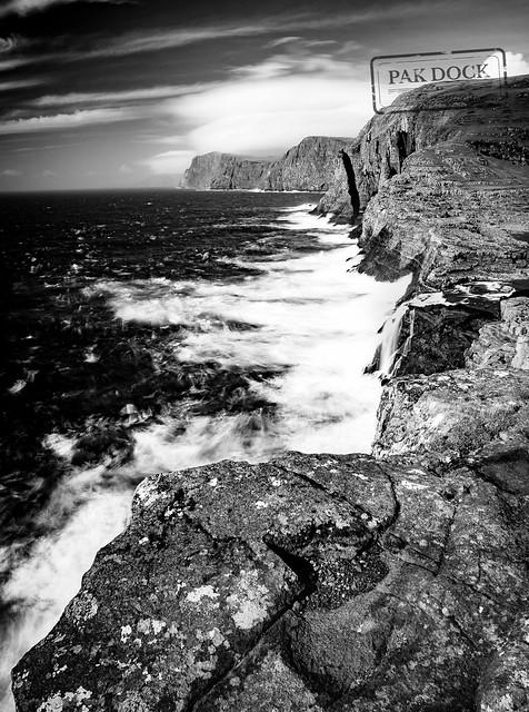 LE in Bøsdalafossur Waterfall - Faroe Islands