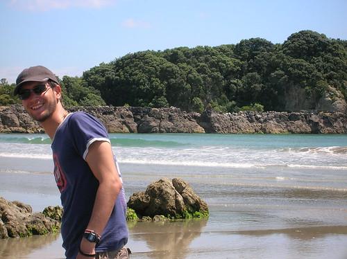 contento en la playa