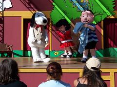07.28.2004-34 (MrBigDog2k) Tags: snoopy knottsberryfarm amusementparks lucyvanpelt linusvanpelt