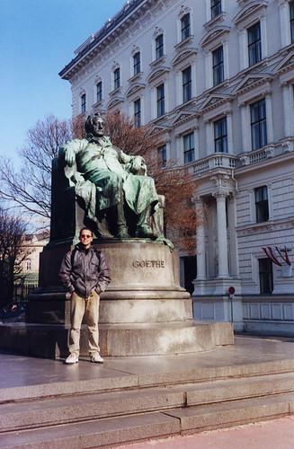 Alpes 262 - Estátua de Goethe Vienna