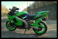 05 (terribleturner) Tags: bike motorbike motorcycle kawasaki zx9r zx9 zx900