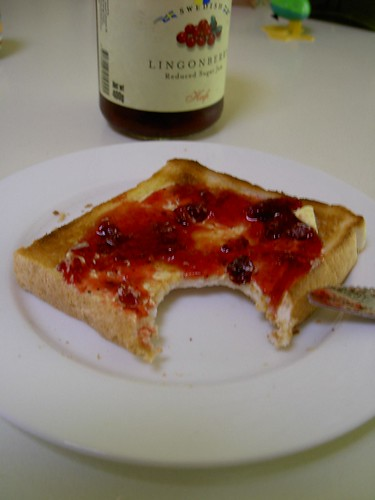 It tasted nice with lingonberry jam