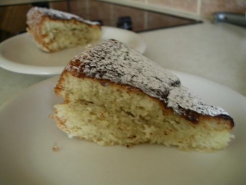 sockerkaka i långpanna med vaniljfyllning