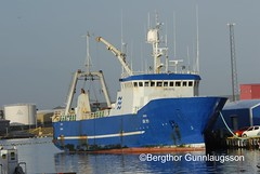 Hrafn GK 111 My ship (Bergthor) Tags: blue sea fish weather island boat iceland fishing fisherman nikon europe sailing ship fishermen marin wave vessel crew maritime handheld seafood catch skip trawler sland towing btur bestshot seamen togari d300 seaman fisheries trawl fishingship fishprocessing navios fishingindustry  n66 icelandicship  fishcatch orbjrn icelandicships szczegy shipphotos oceantrawler trawlerdoor  icelandiccoast skipamyndir sjmannalmanak shipsphoto sjmannaalmanak bestumyndirnar hrafngk111 icelandicfishingboats icelandicfishingships thorfish orbjrnhf icelandictrawler shipsequipment oceantrawlers shipfishinginiceland bergrgunnlaugsson bergthorgunnlaugsson fiskinaur indstriadepesca slenskfiskiskip  tarkemmattiedot